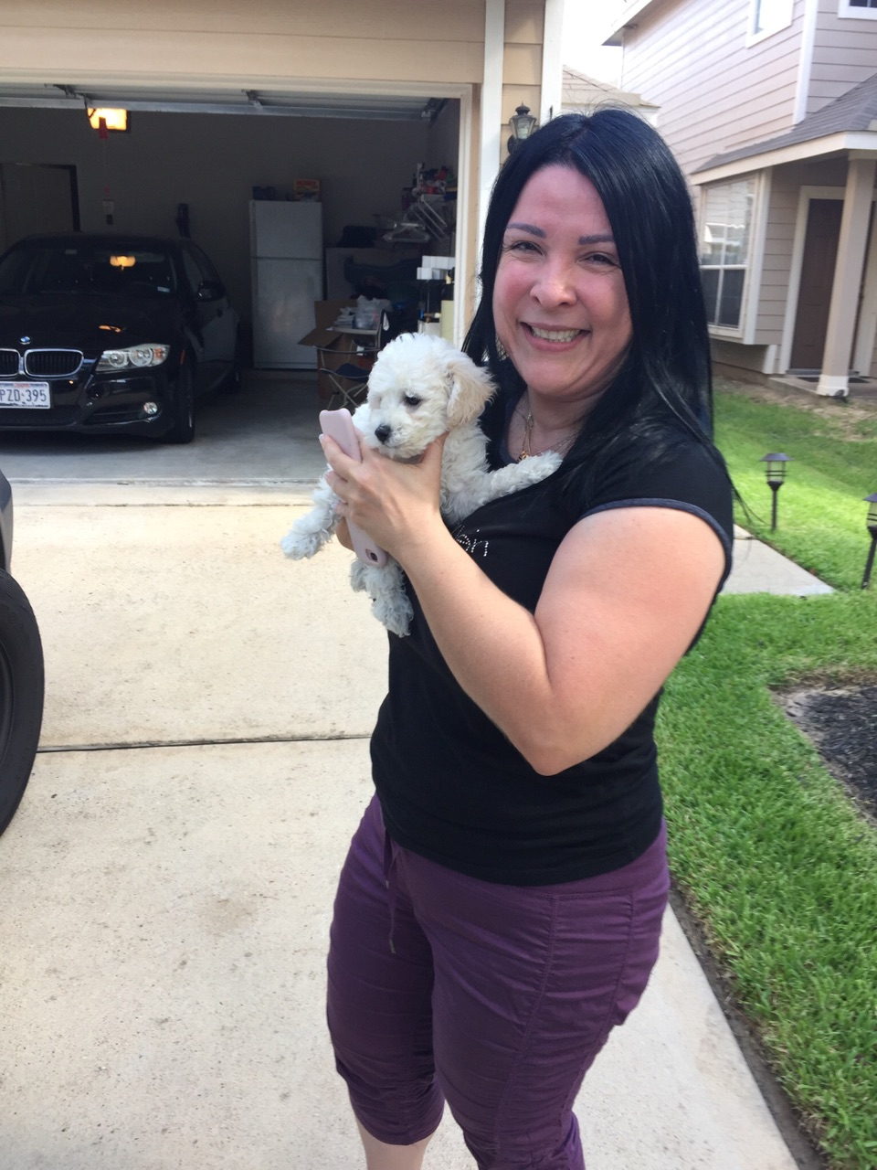 Claudia Espinosa ​and her new ​Bichon Frise puppy 'Louis Vitton'!